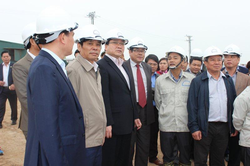 Bí thư Thành ủy Hà Nội Hoàng Trung Hải kiểm tra tiến độ thi công công trình Trạm bơm tiêu Yên Nghĩa