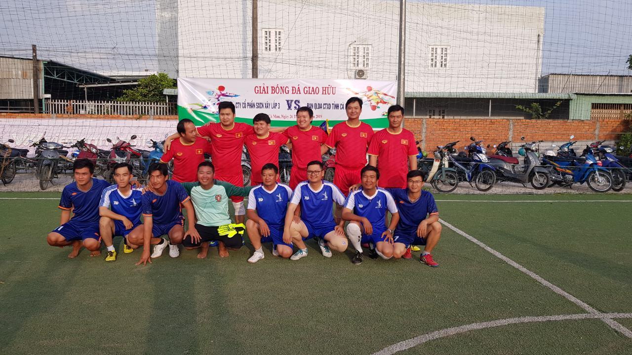 Chủ tịch HĐQT, Giám đốc Lê Tiến Lực tham gia giao lưu bóng đá giữa Công ty với Ban QLDA công trình XD tỉnh Cà Mau